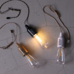 新鋭雑貨ブランド「POSTGENERAL」の外でも使える裸電球がコスパ最高です。